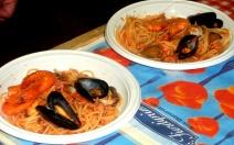 Spaghetti allo scoglio con gamberi e cozze