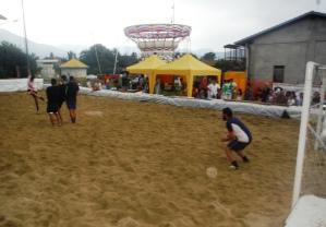 Momenti di gioco: in campo i campioni de torneo, gli Strapazzami di coccole
