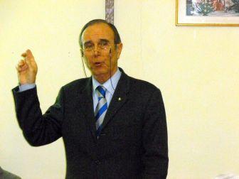 Mario Giuliano ha incentrato il suo intervento sulla responsabilizzazione dei cittadini sul tema rifiuti