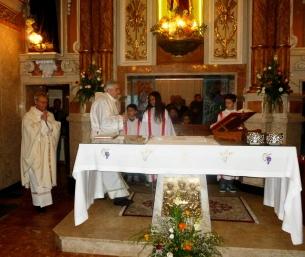 L'ingresso all'altare