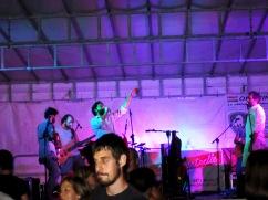 Spettacolo sul palco con Lhi Jarris