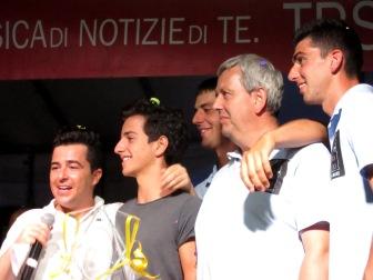 Il vincitore della serata con Andrea Caponnetto e i membri del Comitato